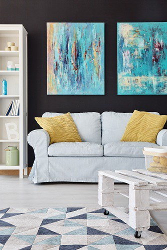 10 Must-Have Living Room Decor Items