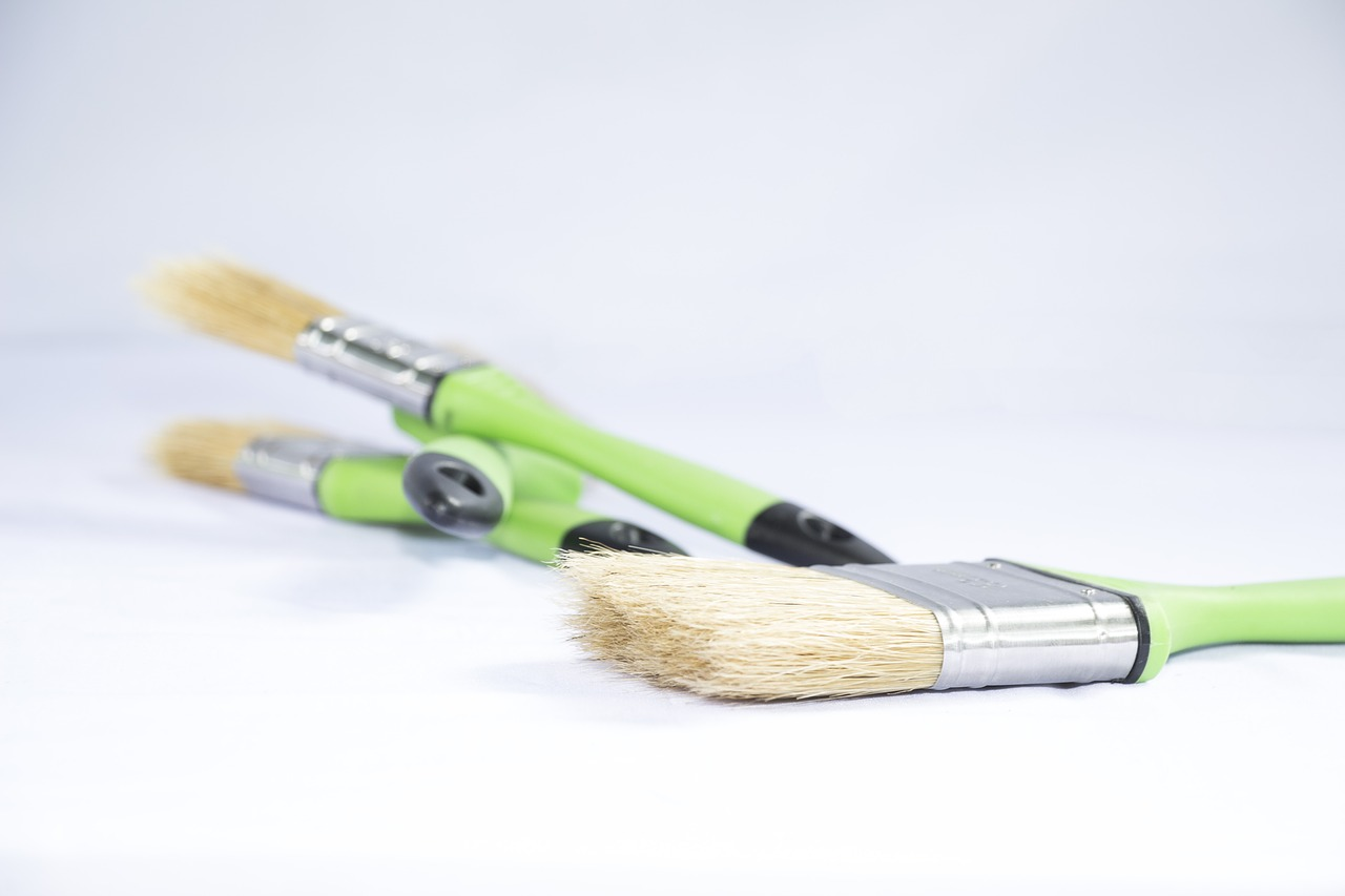 A pencil on a wood surface